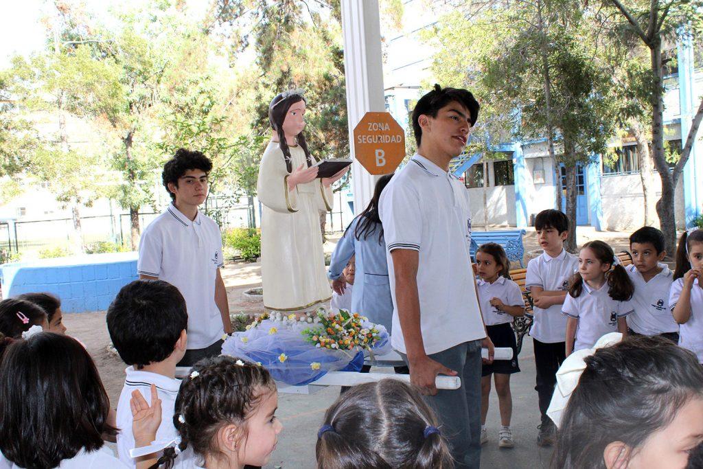 Virgen Niña, en tu día presentamos nuestros Frutos